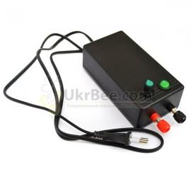 Stromversorgungseinheit für einen Elektroschneider bee