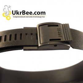 Beekeeping magnifier with removable backlight,